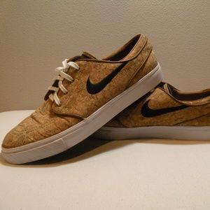 """Nike SB Zoom Stefan Janoski Elite """"Cork"""" Shoes"""